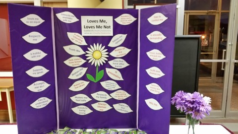 Purple ribbon display1 (Medium)
