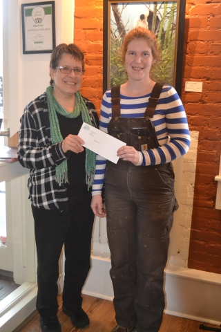L-R: Mari Basiletti, Chairperosn presents a cheque to Melissa Smith, winner of the Diane Kays Memorial Bursary.